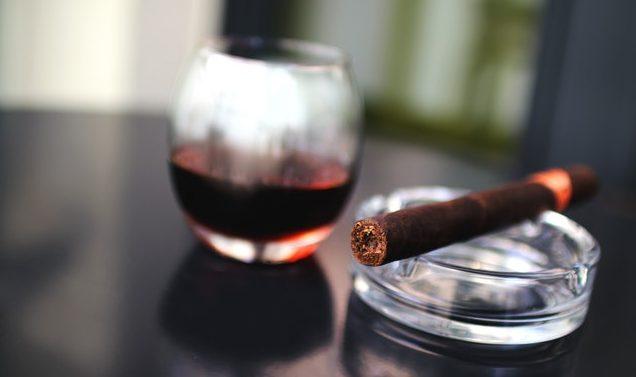 cigar-cigarette